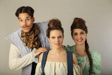 Uudet tulokkaat, parhaat ystävykset Jane ja Rose sekä aloitteleva kirjailija Henry, odottavat innolla mitä Dawson heille voikaan tarjota.